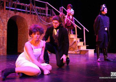 Fantine,-Valjean,-Javert